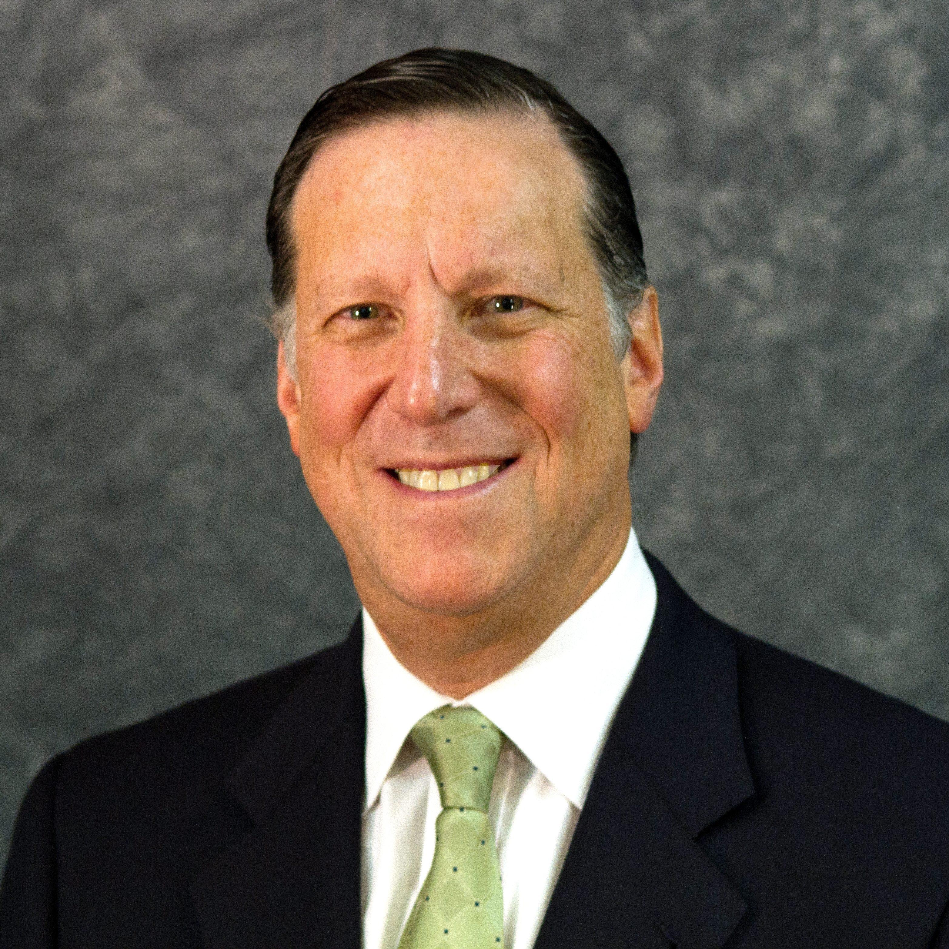 Ari Schonbrun Headshot